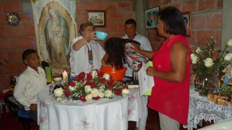 Bautismo de una adolescente Daniela, padrinos Marina Teresa y Henry