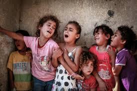 Niños traumatizados por la violencia que viven