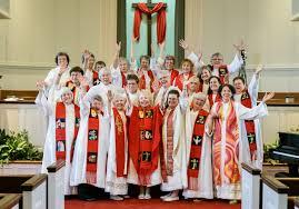 ARCWP En el 2013  la Comunidad de Presbiteras que sale a anunciar la Buena Nueva.