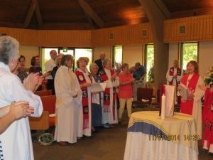 En la ordenación al presbiterado de la 4a colombiana.