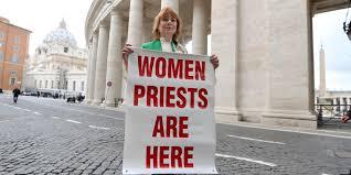 En Roma.La Rv.Janice: Las mujeres sacerdotes estamos aquí.