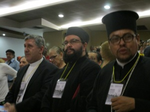 Monseñor Edgar Aristizabal y los miembros de la Iglesia Ortodoxa-Griega