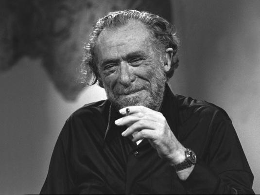 Bukowski es un perro del infierno.  Es un misógino en el centeno.