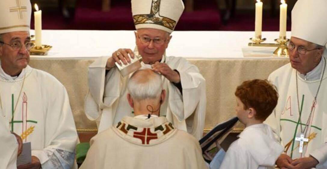 Perdonado por la Iglesia: Sacerdote pedófilo con VIH que violó a 30 niños